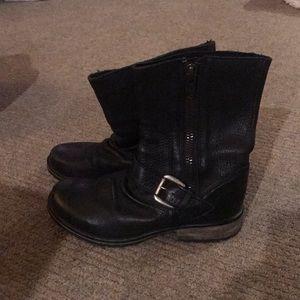 Steve Madden black 100% leather ankle boots 8.5